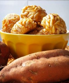 Panellets i moniatos per Tots Sants! Spanish Desserts, Easy Eat, Mexican Food Recipes, Ethnic Recipes, Healthy Sweets, Four, Sin Gluten, International Recipes, Macaroni And Cheese