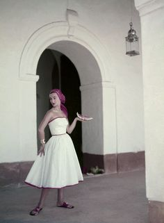 Such a cute dress, photograph taken by Roger Prigent