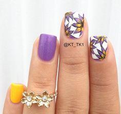 Cute floral nails