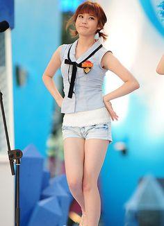 오락실게임 :: 아이유 노출 몸매 가슴 초미니 각선미 다리 섹시화보 이쁘네요~!