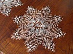 Galleria - Filet In Tondo Di Enza Termin - Diy Crafts Crochet Mittens Free Pattern, Free Crochet Doily Patterns, Crochet Art, Crochet Round, Crochet Home, Filet Crochet, Crochet Motif, Vintage Crochet, Crochet Stitches