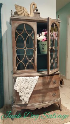 A light rustic touch with a pop of peacock green inside. Annie Sloan Old Ochre and Aubusson/Florence mix.