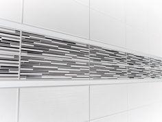 Seinälaatta Pukkila Aava, jossa on selkeän raitamainen kohopinta, luo tilaan harmonisen kokonaisuuden joka kestää aikaa. #avainlippu #sinivalkoinenvalinta #pukkila Blinds, Curtains, Home Decor, Decoration Home, Room Decor, Shades Blinds, Blind, Draping, Home Interior Design