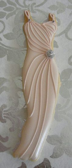 Wedding dress cookies to go with tea at your reception. What a great idea. Or just for a wedding shower. Fancy Cookies, Cut Out Cookies, Iced Cookies, Biscuit Cookies, Cute Cookies, Royal Icing Cookies, Cupcake Cookies, Sugar Cookies, Onesie Cookies