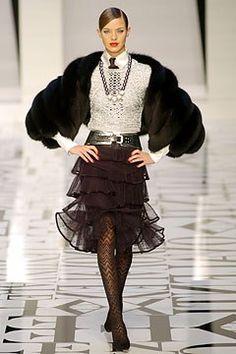 Valentino Fall 2004 Ready-to-Wear Fashion Show - Leticia Birkheuer (CITY)