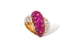 Anel em ouro 19,2k. Brilhantes e Rubis. 13,15cts.  19,2k gold ring. Diamonds and Rubis. 13,15cts.