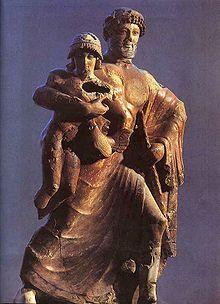 Escultura policromada de terracota de Zeus i Ganímedes del 470 a.C.