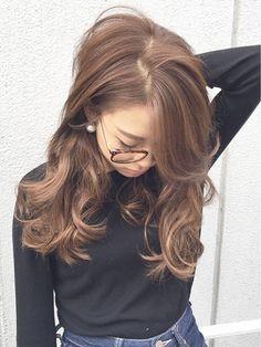 【ALBUM渋谷】NOBU_大人可愛いナチュラルロング_942 - 24時間いつでもWEB予約OK!ヘアスタイル10万点以上掲載!お気に入りの髪型、人気のヘアスタイルを探すならKirei Style[キレイスタイル]で。