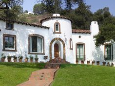 spanish med home color ideas White Exterior Houses, House Paint Exterior, Exterior Paint Colors, Mediterranean Style Homes, Spanish Revival, Window Frames, House Painting, House Colors, Color Inspiration