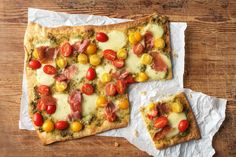 Heirloom Tomato Flatbread with Prosciutto and Pesto Recipe Easy Flatbread Recipes, Flatbread Pizza, Pizza Recipes, Healthy Recipes, Healthy Dinners, Rockcrok Recipes, Hello Fresh Recipes, Dinner Entrees