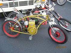 Rat bike Mini Motorbike, Motorcycle Style, Mini Bike, Bicycle Types, Motorised Bike, Riding Mower, Motorized Bicycle, Motor Scooters, Old Bikes