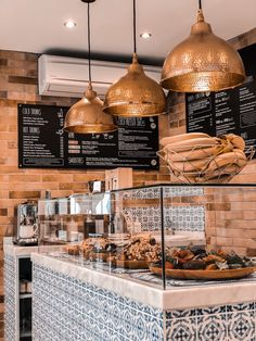 Juicing Great Things About Vitamin Green Shakes, Smoothies And Health Supplements - Oat and Smoothie Bakery Interior, Cafe Interior Design, Cafe Design, Deli Shop, Cafe Shop, Cafe Bar, Bakery Shop Design, Coffee Shop Design, Cozy Coffee Shop