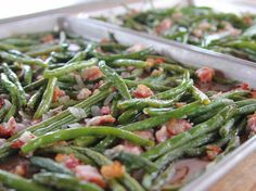 Green Beans I LOVE these green beans. Roasted Green Beans Recipe : Ree Drummond : Food Network - I LOVE these green beans. Sauteed Green Beans, Green Beans With Bacon, Sauteed Greens, Top Recipes, Side Dish Recipes, Vegetable Recipes, Cooking Recipes, Beans Recipes, Cooking Bacon