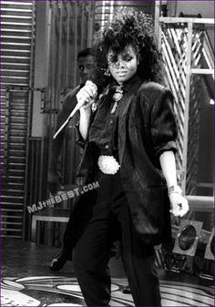 pendule for janet photo: JANET JACKSON SOUL TRAIN CONTROL ERA Janet-Jackson-on-Soul-Train-1984-5.jpg