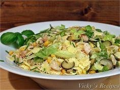 Reteta culinara Salata cu paste, piept de pui si porumb din categoriile Delicii sanatoase de la bloggeri, Salate, Salate cu carne, Salate diverse, Salate reci. Cum sa faci Salata cu paste, piept de pui si porumb