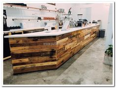recycled-pallet-bar-counter