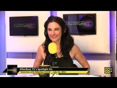 Mädchen Amick (Twin Peaks/Witches of East End) Interview | AfterBuzz TV'...
