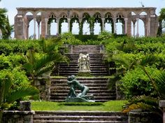 "iexplorediscover: "" Garden inspired by the lovely ones in Versailles, France. This garden is found in the Bahamas, on Paradise Island. Versailles Garden, Palace Of Versailles, Visit Versailles, Luxury Beach Resorts, Beach Hotels, Paradise Island, Most Beautiful Gardens, Beautiful Places, Jardim Majorelle"