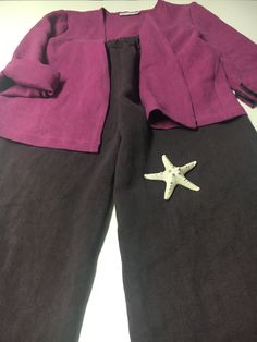 A heavy weight linen pant that can totally complement your fall look. Available in two colors, with elasticated waist, side pockets, has a wide cut at the hems, very comfortable and suitable to any body type. Linen Pants, Piece Of Clothing, Fall Looks, Body Types, Bermuda Shorts, Pockets, Colors, Clothes, Fashion