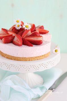 Cheesecake alle fragole - Ricetta Cheesecake alle fragole - Tavolartegusto.it