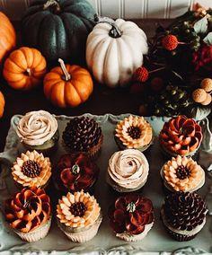 Harvest Season, Fall Harvest, Halloween Treats, Fall Halloween, Autumn Aesthetic, Fall Baking, Happy Fall, Fall Recipes, Cupcake Cakes