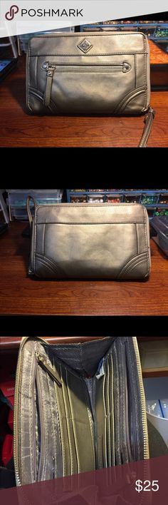 Gray faux leather Simply Vera Wang wristlet This wristlet has everything to keep yourself organized. Several pockets, card holders, and two zippered pockets on inside and one on the front Simply Vera Vera Wang Bags Clutches & Wristlets