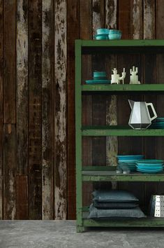 Strong colour contrasts trigger interesting associations, for instance with a cow hide or the spotted plumage of waterfowl or birds of prey. Wood Effect Wallpaper, Paper Wallpaper, Faux Wood Wall, Wood Structure, Cow Hide, Wood Planks, Furniture Collection, Designer Wallpaper, Bookcase