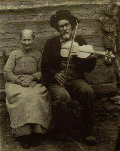 Violinist/fiddler