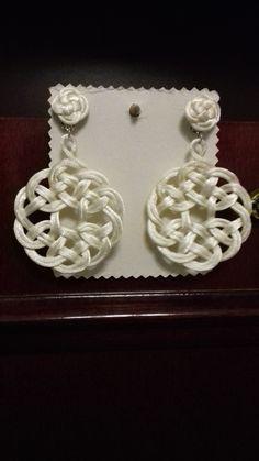 Pendientes artesanos Modelo celta. De Mari Ortín. Ver artesania123.blogspot.com.es