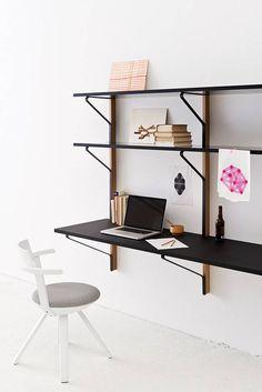 Artek wandkast / bureau REB 010 Kaari Shelf with Desk door Ronan & Erwan Bouroullec | www.designlinq.nl