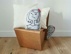 Phi pillow