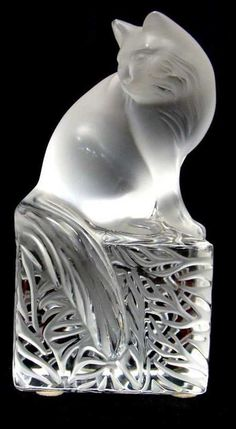 Lot: 625: Lalique Crystal Cat, Lot Number: 0625, Starting Bid: $100, Auctioneer: Bruce Kodner Galleries, Auction: ANTIQUES, IVORY & ESTATE JEWELRY AUCTION, Date: December 23rd, 2012 CET