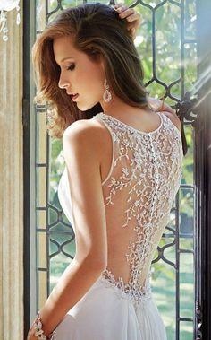 Tendencias de vestidos de novia 2015 http://noviaticacr.com/tendencias-de-vestidos-de-novia-2015/