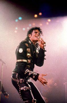 Michael Jackson Poster, Michael Jackson Fotos, Michael Jackson Wallpaper, Michael Jackson Bad Era, Lisa Marie Presley, Janet Jackson, Elvis Presley, Liberian Girl, Album Cover