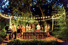 No matter the headcount, be it 6 or when you're having people over for an outdoor dinner party it's the details that will win the day. Here are 11 stylish party ideas for an al fresco evening that will have your guests gushing. Outdoor Dinner Parties, Outdoor Entertaining, Party Outdoor, Summer Party Decorations, Wedding Decorations, Wedding Ideas, Blog Deco, Party Lights, Summer Parties