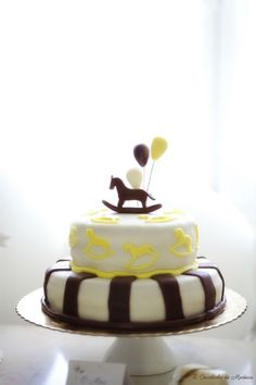 Rocking Horse Cake - any color or combo really. I am huge fan of the simplicity of this cake. and yet it is still absolutely adorable and perfect for a baby boy. Rocking Horse Cake, Birthday Party Planner, Horse Cookies, First Communion Cakes, Paris Cakes, Horse Party, Book Cakes, Character Cakes, Disney Cakes