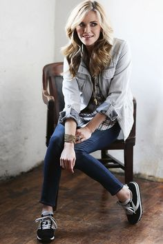 Great overall look for casual spring days.