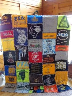 The t-shirt quilt I made from my old FFA t-shirts! Really easy to make! by Norma Brown qIknL Sewing Crafts, Sewing Projects, Craft Projects, Projects To Try, Diy Crafts, Sewing Ideas, Crochet Hook Set, Ffa, Rag Quilt