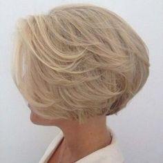 ▷ 50 Penteados Bob Glamourosos Empilhados