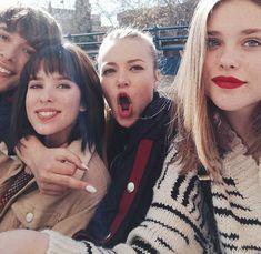 nora, cris, eva y lucas Twenty One Pilots, Harley Quinn, Series Movies, Tv Series, Orange Is The New Black, Irene, Movie Tv, Beautiful People, Couple Photos