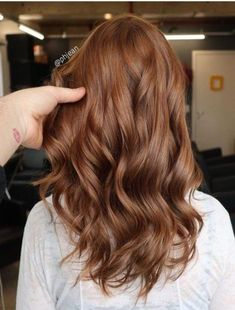 Long Wavy Ash-Brown Balayage - 20 Light Brown Hair Color Ideas for Your New Look - The Trending Hairstyle Red Brown Hair Color, Ginger Hair Color, Brown Hair Shades, Red Ombre Hair, Chocolate Brown Hair Color, Brown Hair With Highlights, Light Brown Hair, Ginger Brown Hair, Peekaboo Highlights