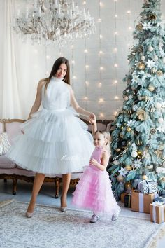 Mother and Daughter Christmas Costume Party Star Print Dress Princess Woman Baby Girls Vintage Mini Dresses Elegant Gift for Children