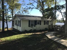 Lake Marion Home For Sale 150 000 Lake Marion Home On Deep Water Cove Real Estate Ad 520040 Lake House Waterfront Homes Lakeside Cottage