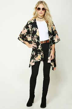Forever 21 Contemporary - A woven kimono featuring an allover floral print, open-front, short dolman sleeves, and a draped silhouette. Floral Kimono Outfit, Boho Kimono, Floral Fashion, Kimono Fashion, Fashion Design, Spring Outfits, Girl Outfits, Fashion Outfits, Fashion Over 40