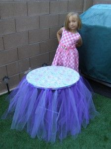 How to Make A Tutu Table - this simple upgrade to a kids table and chairs would delight any little girl Christmas morning!