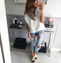 #bluzka Mint Label #oversize #white #blouse #style #streetstyle #streetfashion #fashion #fun #girl #otd #outfit #outfitoftheday #jeans #look #pic #instamood #instagood #instalook #