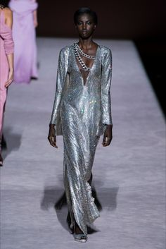 New York Fashion Week Tom Ford Fall 2019 Ready-to-Wear Collection - Vogue Fashion Week, New York Fashion, Runway Fashion, High Fashion, Winter Fashion, Fashion Tips, Fashion Design, Fashion Trends, Tom Ford