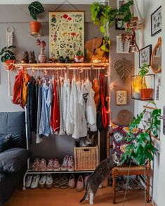 Bohemian Style Clothing And Dresses Design Ideas What is Decoration? Decoration could be the art of decorating the interior and … Room Ideas Bedroom, Bedroom Decor, Bedroom Inspo, Earthy Bedroom, Bedroom Designs, Modern Bedroom, My New Room, My Room, Indie Room