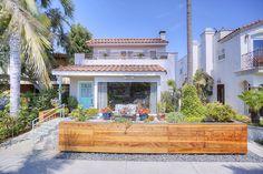 Charming modern southern exposure home on Naples Island, Long Beach