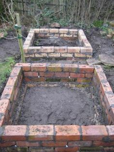 garden care vegetable 9 New amp; Different Uses For Reclaimed Bricks That You Havent Thought Of old vintage brick garden beds Garden Care, Recycled Brick, Recycled Garden, Building A Raised Garden, Design Jardin, Garden Cottage, Garden Planning, Garden Projects, Brick Projects